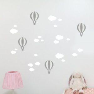 Balónkové a mrakové samolepky na stěnu